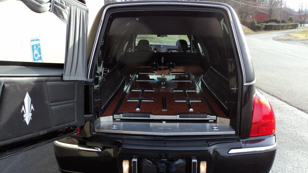 2009 LINCOLN SUPERIOR HEARSE