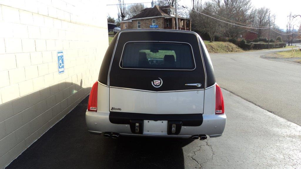 2011 CADILLAC SUPERIOR HEARSE